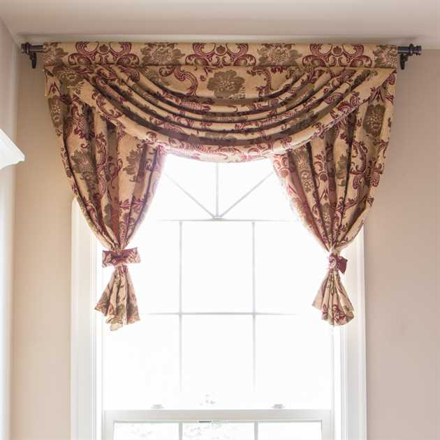 Picture of Rosy Queen Valance Only