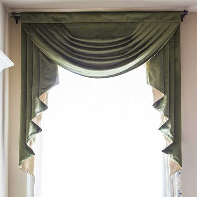 Picture of Green Velvet Valance